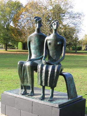 Henry Moore – A Revolution in British Sculpture